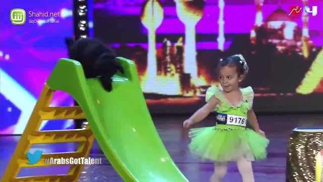 4 Year Old Performs With Her Tiny Dog - Got Talent Global